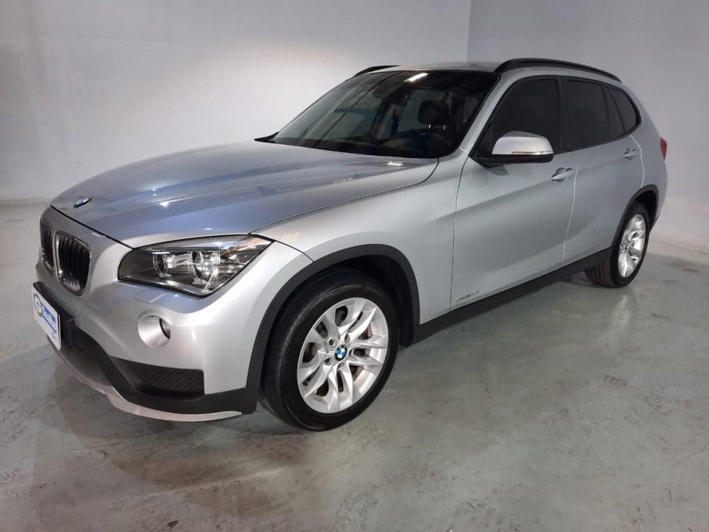 //www.autoline.com.br/carro/bmw/x1-20-sdrive20i-16v-flex-4p-turbo-automatico/2015/curitiba-pr/14558251