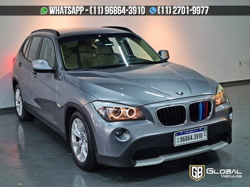 //www.autoline.com.br/carro/bmw/x1-20-sdrive18i-top-16v-gasolina-4p-automatico/2012/sao-paulo-sp/14569077