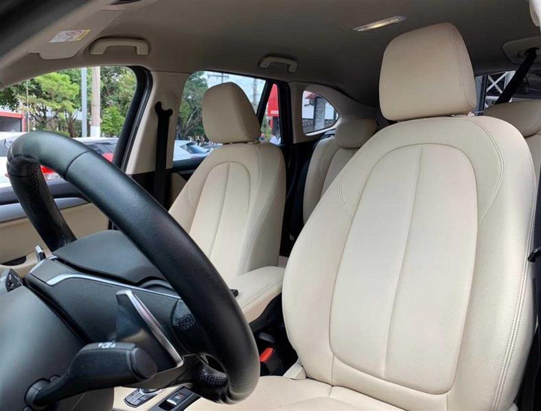 //www.autoline.com.br/carro/bmw/x1-20-sdrive20i-gp-16v-flex-4p-turbo-automatico/2017/sao-paulo-sp/14598621