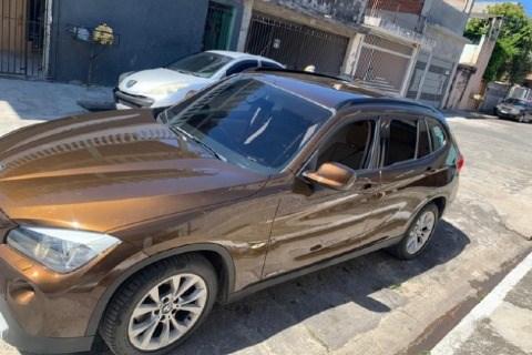 //www.autoline.com.br/carro/bmw/x1-20-sdrive18i-top-16v-gasolina-4p-automatico/2012/sao-paulo-sp/14600202