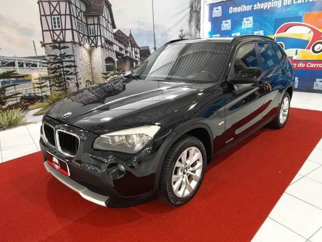 //www.autoline.com.br/carro/bmw/x1-20-sdrive18i-top-16v-gasolina-4p-automatico/2012/blumenau-sc/14629484