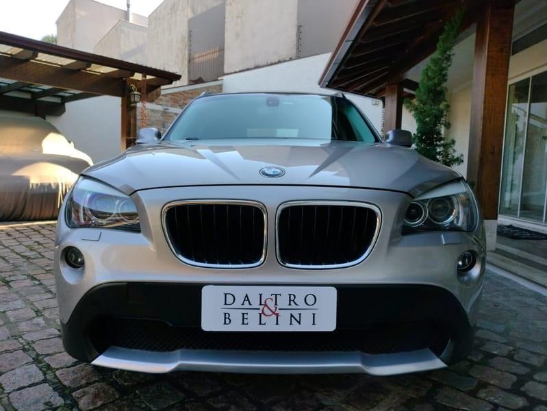//www.autoline.com.br/carro/bmw/x1-20-sdrive18i-top-16v-gasolina-4p-automatico/2012/porto-alegre-rs/15114355