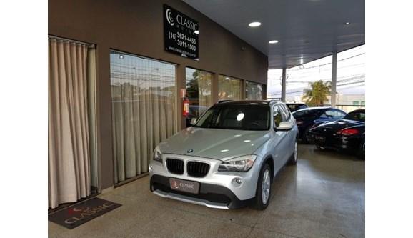 //www.autoline.com.br/carro/bmw/x1-20-18i-150cv-16v-gasolina-4p-automatico/2011/ribeirao-preto-sp/6556461