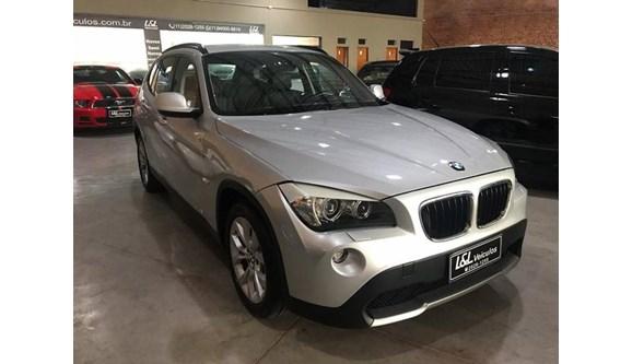 //www.autoline.com.br/carro/bmw/x1-20-18i-150cv-16v-gasolina-4p-automatico/2013/sao-paulo-sp/8122670