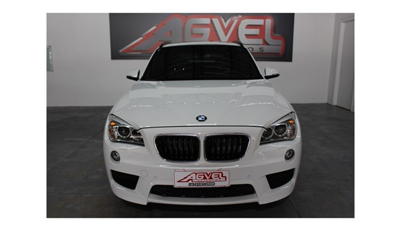 //www.autoline.com.br/carro/bmw/x1-20-28i-245cv-16v-gasolina-4p-automatico/2013/pato-branco-pr/8165693