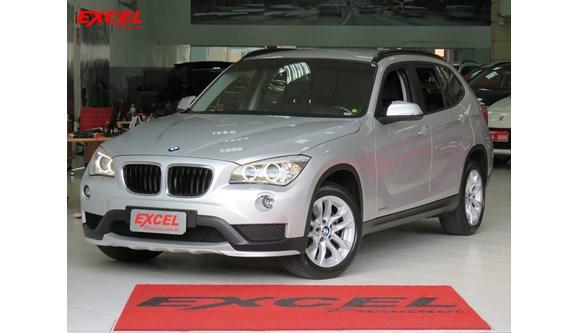 //www.autoline.com.br/carro/bmw/x1-20-20i-184cv-16v-flex-4p-automatico/2015/curitiba-pr/8201666
