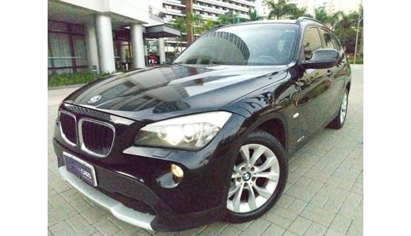 //www.autoline.com.br/carro/bmw/x1-20-18i-150cv-16v-gasolina-4p-automatico/2013/sao-caetano-do-sul-sp/8247400