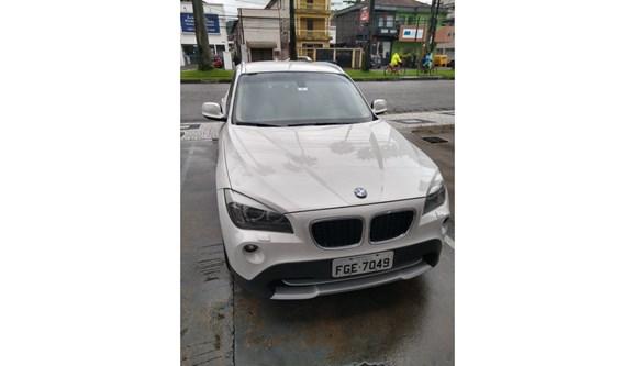 //www.autoline.com.br/carro/bmw/x1-20-20i-184cv-16v-gasolina-4p-automatico/2013/sao-paulo-sp/8415945