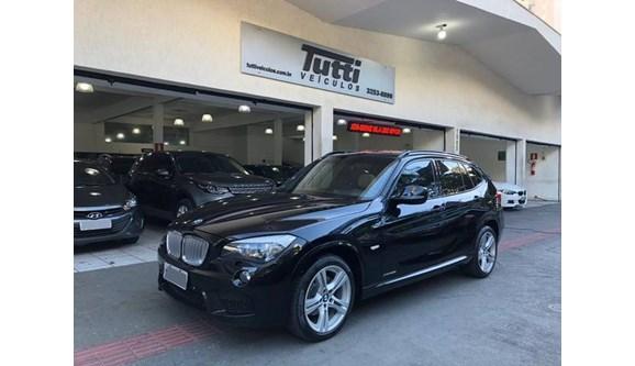 //www.autoline.com.br/carro/bmw/x1-20-28i-245cv-16v-gasolina-4p-automatico/2013/belo-horizonte-mg/8938655