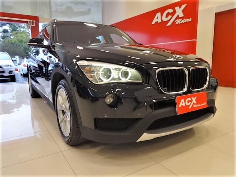 //www.autoline.com.br/carro/bmw/x1-20-18i-150cv-16v-gasolina-4p-automatico/2013/curitiba-pr/9419648