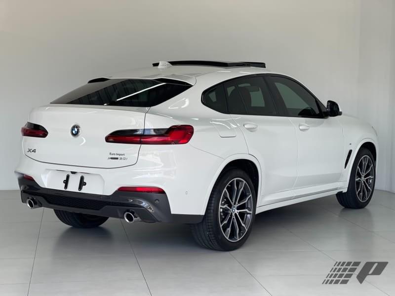 //www.autoline.com.br/carro/bmw/x4-20-xdrive30i-m-sport-16v-gasolina-4p-4x4-turb/2021/curitiba-pr/15128339