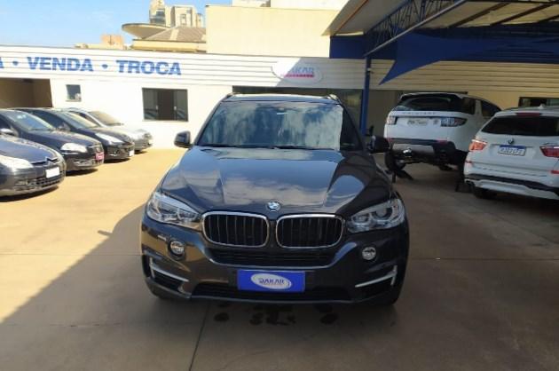 //www.autoline.com.br/carro/bmw/x5-30-xdrive35i-full-24v-gasolina-4p-4x4-turbo-a/2017/apucarana-pr/11775501