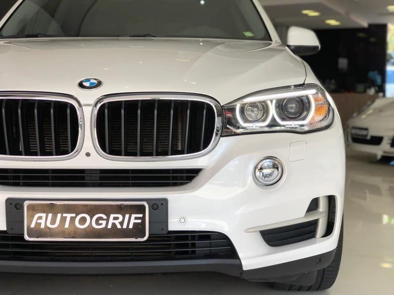 //www.autoline.com.br/carro/bmw/x5-30-xdrive30d-24v-diesel-4p-4x4-turbo-automati/2017/curitiba-pr/14606392