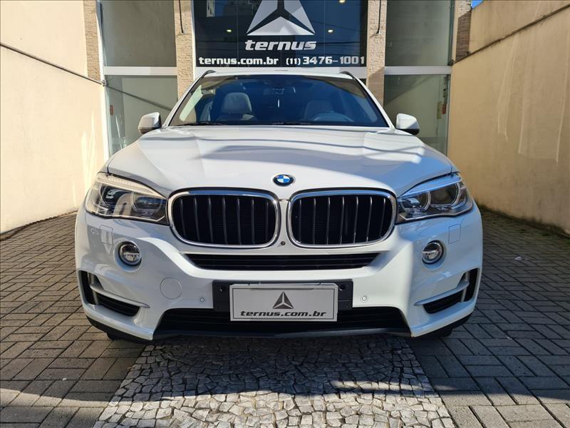 //www.autoline.com.br/carro/bmw/x5-30-xdrive30d-24v-diesel-4p-4x4-turbo-automati/2017/sao-paulo-sp/14776177