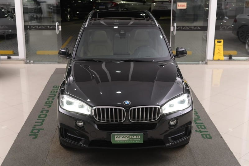 //www.autoline.com.br/carro/bmw/x5-44-xdrive50i-experience-32v-gasolina-4p-4x4-t/2014/curitiba-pr/14813184