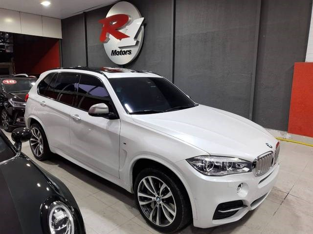 //www.autoline.com.br/carro/bmw/x5-30-381cv-24v-diesel-4p-automatico-4x4-turbo/2017/sao-paulo-sp/14891500