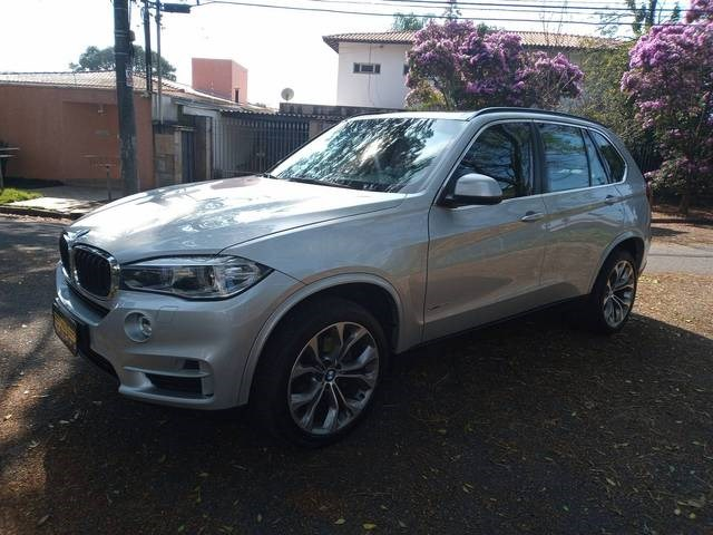 //www.autoline.com.br/carro/bmw/x5-30-xdrive30d-24v-diesel-4p-4x4-turbo-automati/2016/sao-paulo-sp/14949736