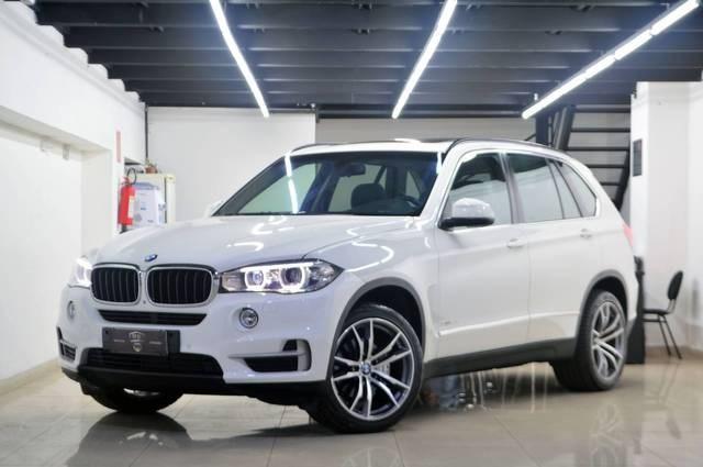 //www.autoline.com.br/carro/bmw/x5-30-m50d-24v-diesel-4p-4x4-turbo-automatico/2015/belo-horizonte-mg/15352147