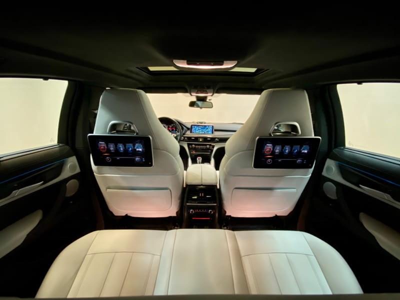 //www.autoline.com.br/carro/bmw/x6-44-m-32v-gasolina-4p-automatico-4x4-turbo/2018/vitoria-es/10431982