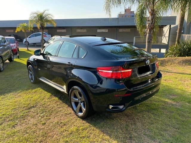 //www.autoline.com.br/carro/bmw/x6-44-32v-gasolina-4p-automatico-4x4-turbo/2010/tubarao-sc/11239011