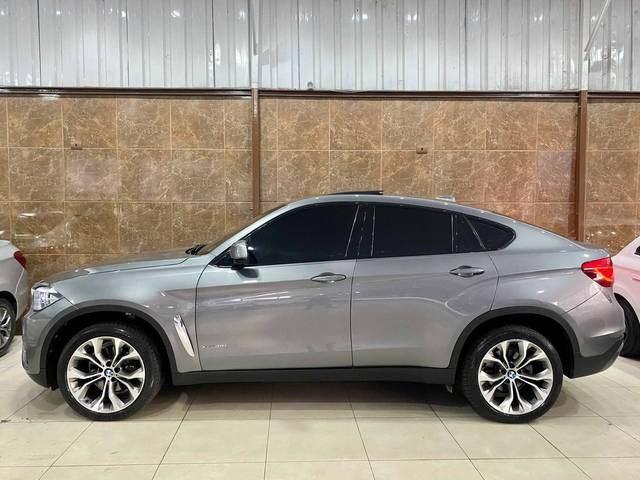 //www.autoline.com.br/carro/bmw/x6-30-xdrive35i-24v-gasolina-4p-4x4-turbo-automa/2017/divinopolis-mg/14983053