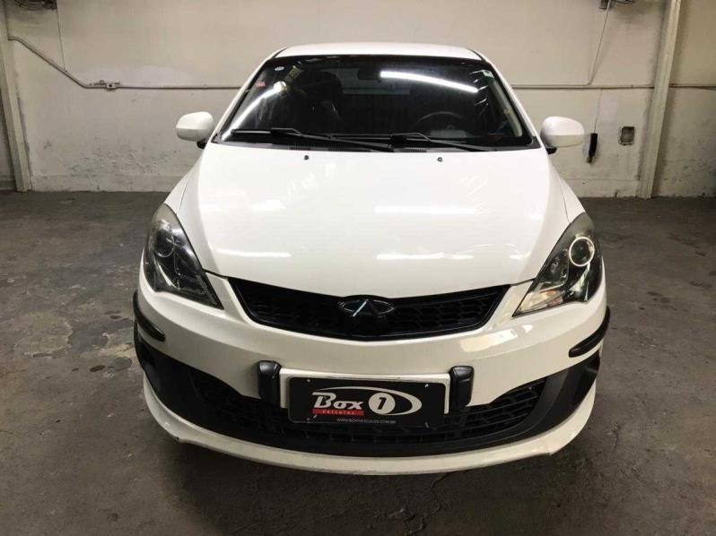 //www.autoline.com.br/carro/chery/celer-15-hatch-16v-flex-4p-manual/2017/belo-horizonte-mg/14913643