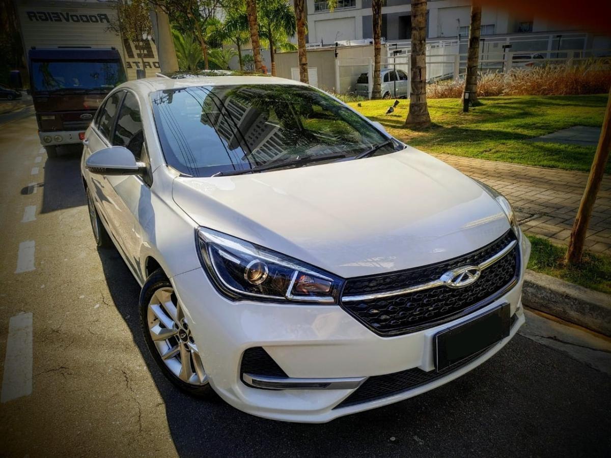 //www.autoline.com.br/carro/chery/qq-10-look-12v-flex-4p-manual/2019/sao-jose-dos-campos-sp/12353504