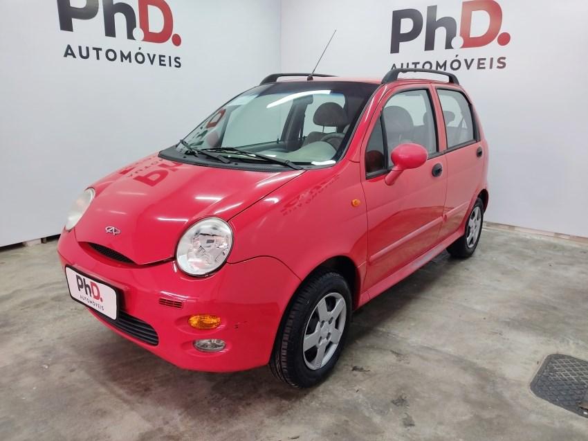 //www.autoline.com.br/carro/chery/qq-11-16v-gasolina-4p-manual/2013/brasilia-df/14493428