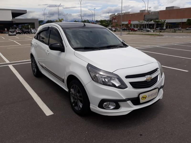 //www.autoline.com.br/carro/chevrolet/agile-14-effect-8v-flex-4p-manual/2014/taubate-sp/10147730
