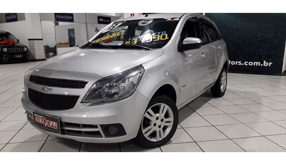 //www.autoline.com.br/carro/chevrolet/agile-14-ltz-8v-flex-4p-manual/2013/sao-paulo-sp/10955109
