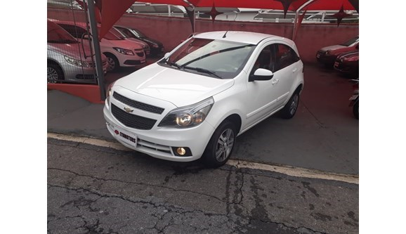 //www.autoline.com.br/carro/chevrolet/agile-14-ltz-8v-98cv-4p-flex-manual/2013/itu-sp/7195919