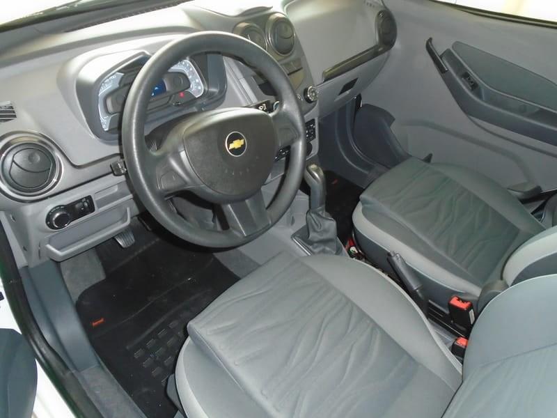 //www.autoline.com.br/carro/chevrolet/agile-14-lt-8v-98cv-4p-flex-manual/2013/tres-passos-rs/8815634