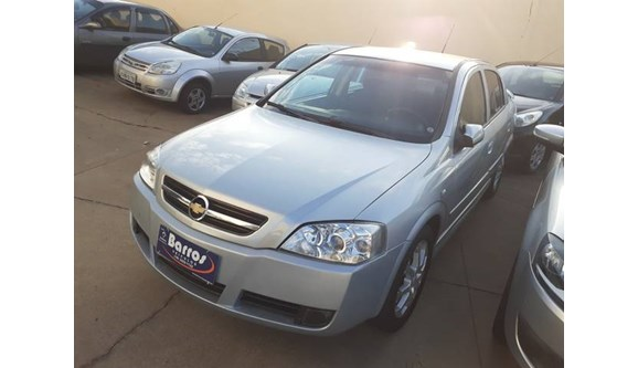 //www.autoline.com.br/carro/chevrolet/astra-20-advantage-8v-sedan-flex-4p-manual/2011/presidente-prudente-sp/10246055
