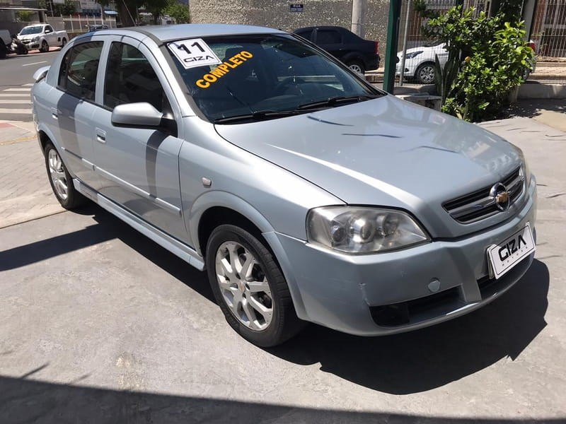 //www.autoline.com.br/carro/chevrolet/astra-20-advantage-8v-flex-4p-manual/2011/taubate-sp/10471996