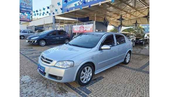 //www.autoline.com.br/carro/chevrolet/astra-20-hatch-advantage-8v-flex-4p-automatico/2011/campinas-sp/11288093