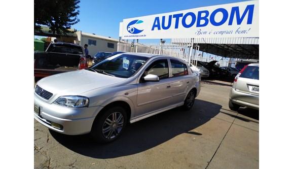 //www.autoline.com.br/carro/chevrolet/astra-18-milenium-8v-sedan-gasolina-4p-manual/2001/cascavel-pr/11428347