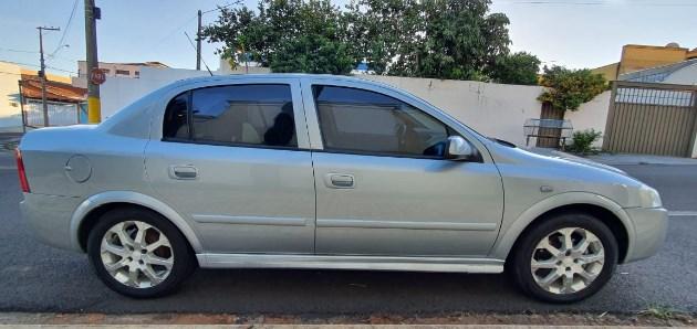 //www.autoline.com.br/carro/chevrolet/astra-20-sedan-advantage-8v-flex-4p-manual/2011/franca-sp/11815030