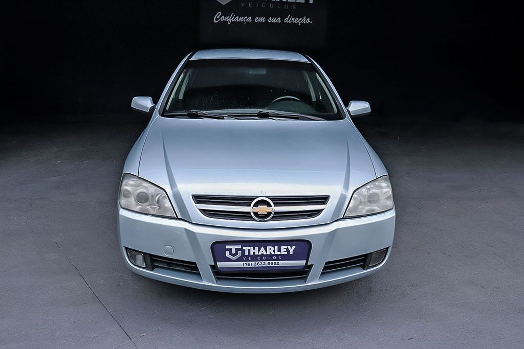 //www.autoline.com.br/carro/chevrolet/astra-20-sedan-advantage-8v-flex-4p-manual/2009/ribeirao-preto-sp/13121381