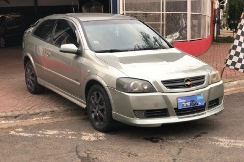 //www.autoline.com.br/carro/chevrolet/astra-20-hatch-advantage-8v-flex-2p-manual/2006/paulinia-sp/13308541