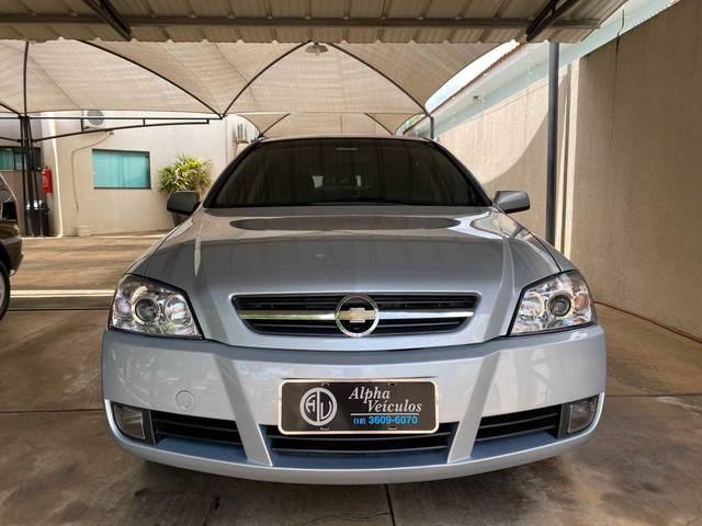 //www.autoline.com.br/carro/chevrolet/astra-20-hatch-advantage-8v-flex-4p-manual/2011/aracatuba-sp/14000486
