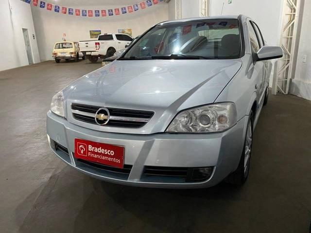 //www.autoline.com.br/carro/chevrolet/astra-20-hatch-advantage-8v-flex-4p-manual/2009/quirinopolis-go/14863462