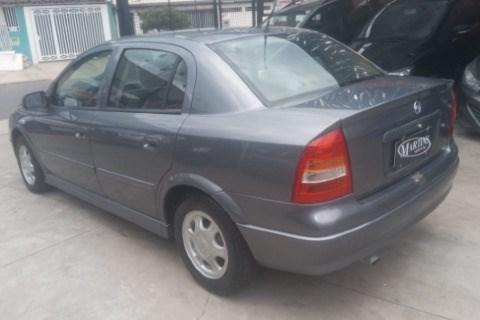 //www.autoline.com.br/carro/chevrolet/astra-18-sedan-milenium-8v-gasolina-4p-manual/2001/sumare-sp/14873575
