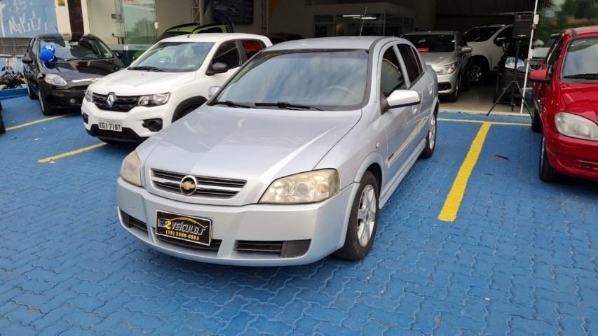 //www.autoline.com.br/carro/chevrolet/astra-20-hatch-advantage-8v-flex-4p-automatico/2008/campinas-sp/15137655