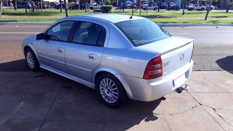 //www.autoline.com.br/carro/chevrolet/astra-20-sedan-elegance-8v-flex-4p-manual/2006/cascavel-pr/15174585