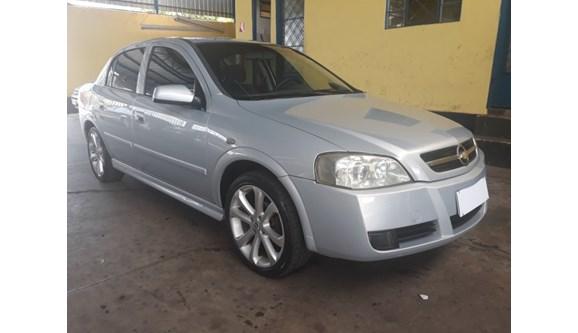 //www.autoline.com.br/carro/chevrolet/astra-18-a-8v-sedan-alcool-4p-manual/2004/sao-jose-do-rio-preto-sp/6729640