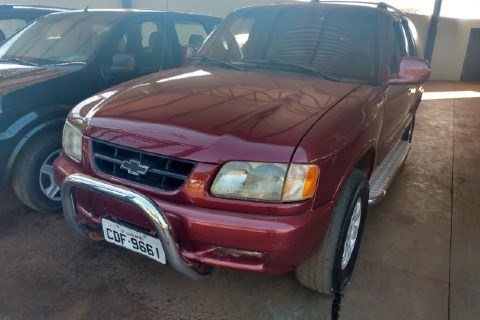 //www.autoline.com.br/carro/chevrolet/blazer-22-dlx-efi-8v-gasolina-4p-manual/1997/palestina-sp/14656225