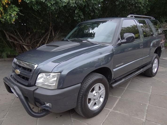 //www.autoline.com.br/carro/chevrolet/blazer-24-advantage-8v-flex-4p-manual/2009/porto-alegre-rs/14915386