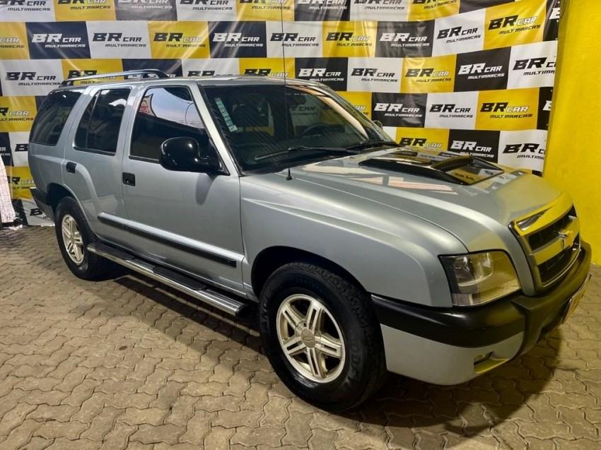 //www.autoline.com.br/carro/chevrolet/blazer-28-executive-12v-diesel-4p-4x4-turbo-manual/2005/caxias-do-sul-rs/15042104