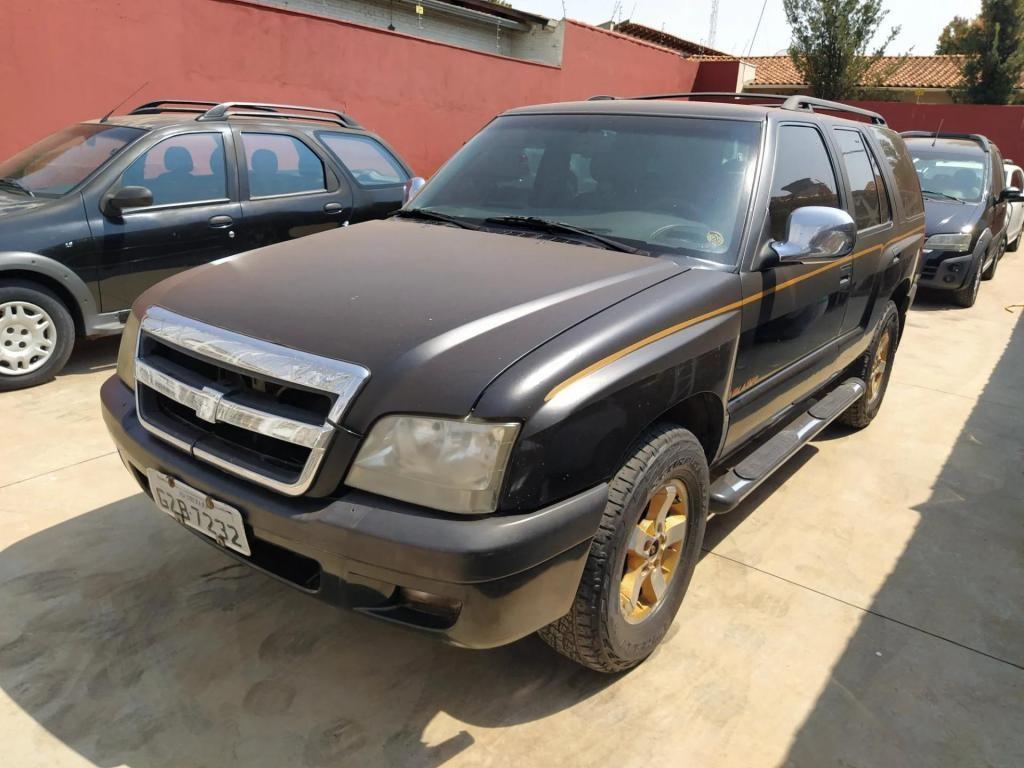 //www.autoline.com.br/carro/chevrolet/blazer-28-dlx-turbo-12v-diesel-4p-4x4-manual/2002/uberaba-mg/15626169
