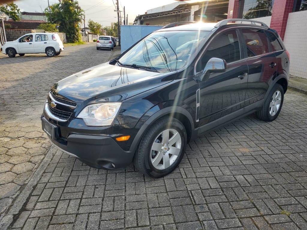 //www.autoline.com.br/carro/chevrolet/captiva-24-sport-16v-gasolina-4p-automatico/2012/joinville-sc/14429722